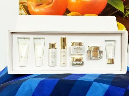 迪奧精萃再生花蜜淨白8件組: 迪奧精萃再生花蜜淨白精華液 5ML+精萃再生花蜜淨白乳霜 5ML+眼霜