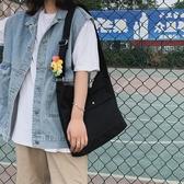 帆布ins黑色帆布包斜挎工装风女帆布袋背包日繫单肩布学生斜背包