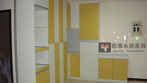 【系統家具】廚具 餐邊電器櫃 雙色門板設計