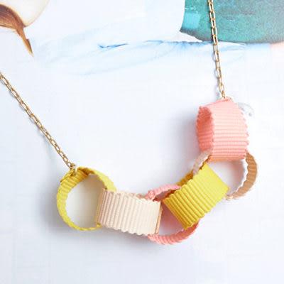 〔APM飾品〕日本Kubomi 珍貴情誼禮物緞帶七夕彩圈項鍊 (粉紅x米色x芥末黃) (紅紫x墨綠x深藍)