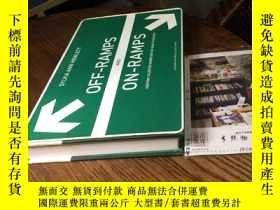 二手書博民逛書店英文原版罕見OFF-RAMPS AND ON-RAMPS -- 斜道和坡道上 成功的道路上保持才華的女性 哈