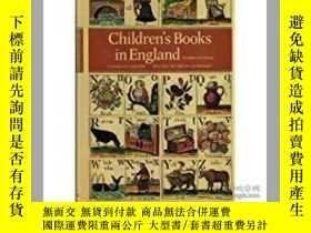 二手書博民逛書店Children s罕見Books in England(F.
