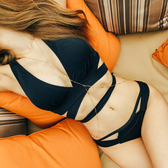 泳裝 比基尼 泳衣 素色 線條 綁帶 深V 性感 兩件套 繞頸 泳裝【SF1001】 icoca  05/17
