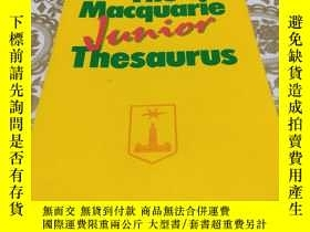 二手書博民逛書店The罕見Macquarie Junior Thesaurus