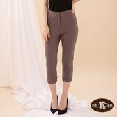 【岱妮蠶絲】口袋造型顯瘦蠶絲七分褲(咖啡)
