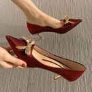 中跟紅色高跟鞋婚鞋女2021年新款春秋季百搭新娘秀禾水晶尖頭單鞋 快速出貨
