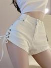 高腰白色牛仔褲女2021年夏季新款闊腿顯瘦綁帶褲子休閒超短褲熱褲 伊蘿