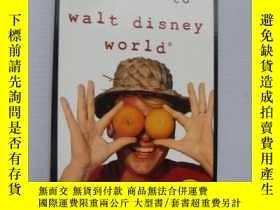 二手書博民逛書店Irreverent罕見guide to walt disney