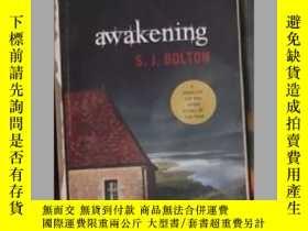 二手書博民逛書店英文原版罕見Awakening by S. J. BoltonY