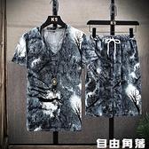男短袖t恤 個性冰絲套裝 修身V領t桖 印花T恤 男上衣服 一套 自由角落