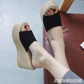 涼拖女夏外穿時尚新款韓版百搭鬆糕厚底楔形外穿一字拖厚底拖鞋女 居家物語