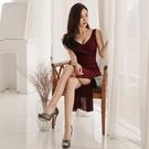 無袖洋裝小禮服 夏裝2021新款女名媛氣質女神範性感V領無袖修身不規則魚尾連身裙