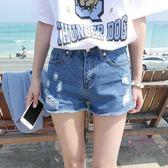 白色破洞牛仔短褲女夏季新款學生大尺碼闊腿寬鬆毛邊顯瘦熱褲潮 免運商品