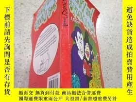 二手書博民逛書店scary罕見and spooky book恐怖詭異的書Y212829