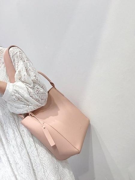 韓國東大門新款女包明星秀智同款單肩水桶包水餃包托特包大包(全館二件免運)