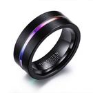 《 QBOX 》FASHION 飾品【RTCR-047】精緻個性彩色線條凹槽磨砂鎢鋼戒指/戒環(型男配戴)