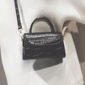 新品復古質感手提包上新網紅小黑包包女新款潮韓版百搭斜背包 聖誕交換禮物