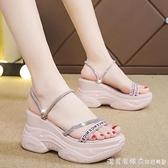 水鉆坡跟涼鞋女仙女風2021夏季新款厚底松糕兩穿高跟涼拖鞋內增高 美眉新品