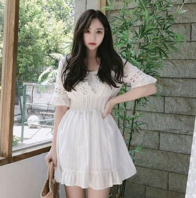 VK旗艦店 韓國風純潔時尚花邊V領喇叭袖短袖洋裝