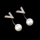簡約珍珠插針小胸針V領防走光別針扣裝