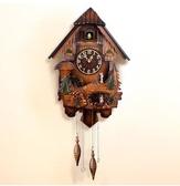 【衫衫來時】布穀鳥音樂咕咕掛鐘客廳石英鐘錶報時靜音小鳥音樂掛錶【517木盤阿拉伯數字】