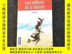 二手書博民逛書店法語原版罕見Les Enfants de la libertéY236528 Marc Levy Pocket