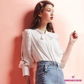 【SHOWCASE】優雅荷葉開袖小立領綁帶長袖雪紡襯衫(白)