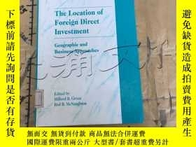 二手書博民逛書店The罕見Location of Foreign Direct