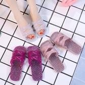 按摩鞋 水晶拖鞋女夏塑膠浴室防滑防臭洗澡漏水情侶涼拖鏤空足底按摩拖鞋【星時代女王】
