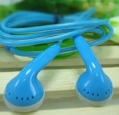 [協貿國際]通用平頭MP3耳機水晶圓透明線適用於魅族手機電腦立體聲3入
