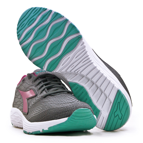 LIKA夢 DIADORA 迪亞多那 防潑水輕量慢跑鞋 FLAMINGO 4 WIN系列 灰紫藍 174890-C6004 女