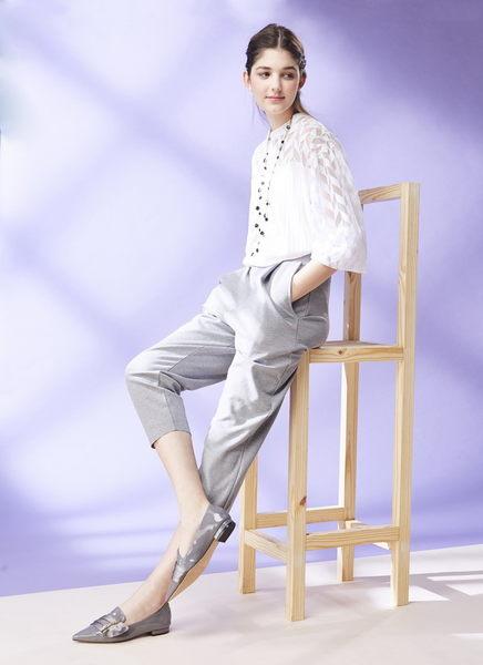 ★2018春夏★Keeley Ann英倫爵士~水鑽唯美光澤全真皮尖頭平底鞋(灰色)-Ann系列