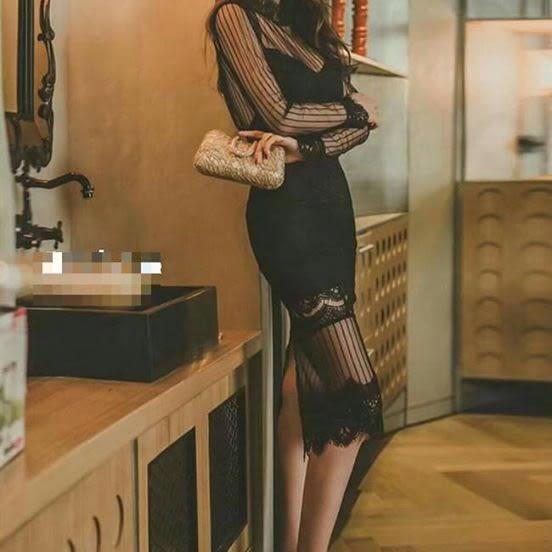 正韓聖誕節跨年新款時尚蕾絲露背網紗透膚長袖連身裙洋裝 性感禮服款 黑/白 2色 預購熱賣