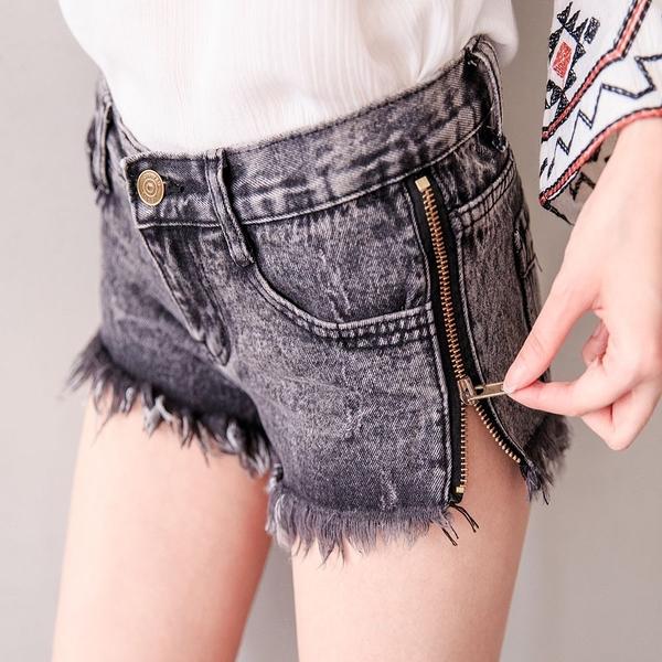 MIUSTAR 側拉鍊造型抽鬚牛仔短褲(共2色,S-L)【NJ1540EP】預購
