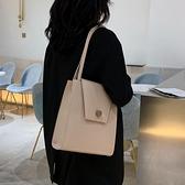 秋冬高級感包包女包新款2021百搭斜挎包女包大容量側背托特包洋氣  夏季新品