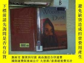 二手書博民逛書店REEDY罕見Words in the Dust.Y261116