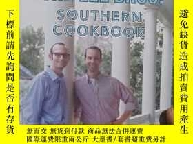 二手書博民逛書店實物拍照;The罕見Lee Brothers Southern Cookbook: Stories and Rec