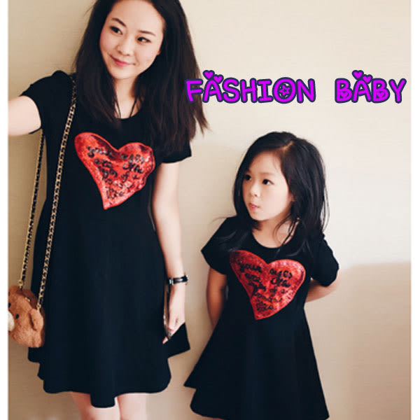 童裝 母女裝 親子裝 愛心亮片短袖連衣裙兒童連衣裙(小孩款) Fashion Baby