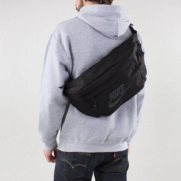 NIKE 超實用大容量側背包