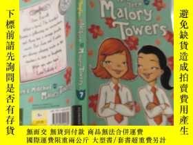 二手書博民逛書店winter罕見at Term Milory towers7冬季在米洛裏鐵塔7Y200392