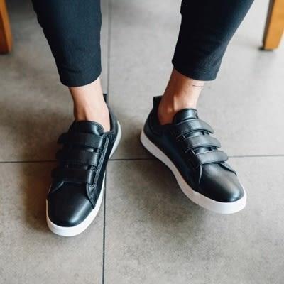黏扣休閒鞋-韓版經典素面透氣男板鞋2色73ix20【時尚巴黎】