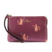COACH 馬車LOGO貓咪印花防刮拉鍊手拿包(紫紅色)198389
