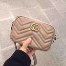 ■專櫃8折■Gucci 全新真品 GG Marmont Mini 448065 裸粉色波浪紋絎縫相機包