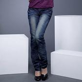 牛仔褲--激瘦!完美曲線定番-勻染藍刷白鬼爪痕假腰帶中腰直筒牛仔褲(M-7L)-N29眼圈熊中大尺碼◎