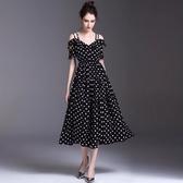 洋裝-點點荷葉邊露肩典雅氣質連身裙2色73ta11【時尚巴黎】