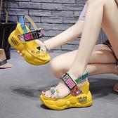 坡跟花朵涼鞋2021女時裝網紅厚底夏季新款鬆糕內增高百搭羅馬鞋【快速出貨】