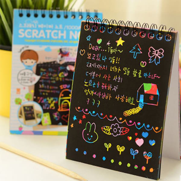 創意韓版小號刮刮畫男孩女孩DIY線圈彩色塗鴉本子配筆空白素描 19元