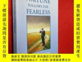 二手書博民逛書店Fortune罕見Follows The Fearless 【詳