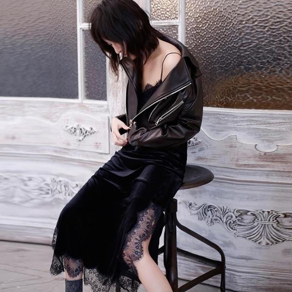 吊帶洋裝 秋冬新款絲絨V領吊帶裙內搭中長蕾絲睫毛打底大碼金絲絨連衣裙女 快速出貨