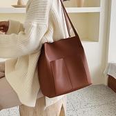 洋氣包復古單肩大包包女2020新款潮韓版百搭大容量簡約時尚水桶包 【雙11】